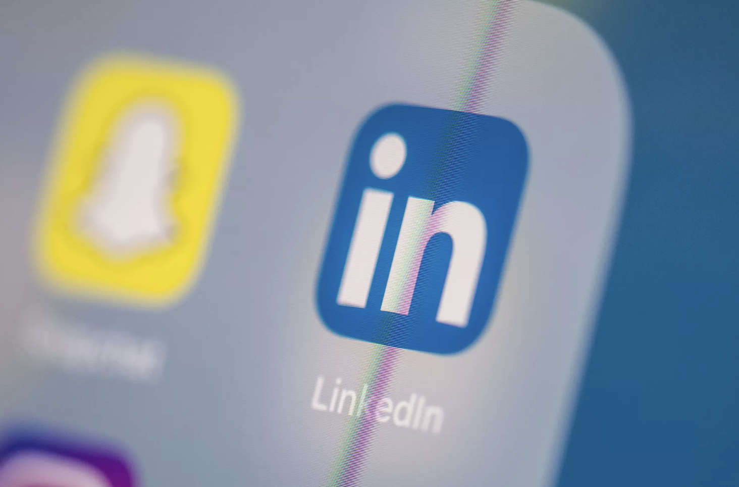 LinkedIn is testing Snapchat-like stories because that's the world we live in now
